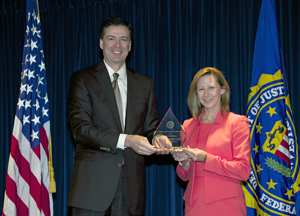Laura Hamilton recieves FBI's 2013 Director's Community Leadership Awards
